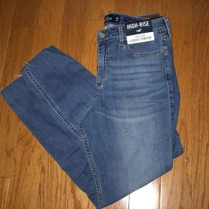 NWT Hollister high rise crop super skinny jeans